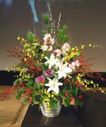 2005年最初のお仕事。企業の新年会の壇上花を納品。