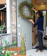 クリスマスのディスプレイは、心があたたかくなる作業です。来月は筑波のイベント等でも装飾作業予定です。