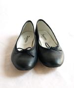 秋になると靴を買いたくなります。買ったばっかりのレペットの靴。