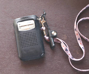 母のラジオをこっそり拝借。そのうち私のものになってしまいました。