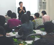 今年のクリスマスリース講座も合計で約100名の方にご参加頂きました。
