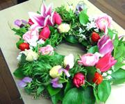 今年は2日が仕事始め。スタンド花の製作&納品のお仕事でした。