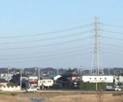 遠くの鉄塔