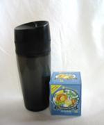 花粉症対策のハーブティーを携帯。ミントとレモンピールのブレンドです。