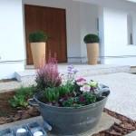先日オープンの住宅展示場。庭づくりとガーデンディスプレイを担当しました。