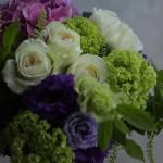 これからの季節は涼しげな色合いの花が人気です。