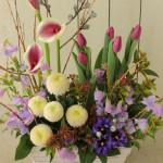お悔やみの花。洋花で少し個性的な雰囲気に。