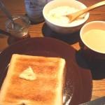 「バナナとキャラメルのジャム」をパンにつけて食べるのが楽しみ。