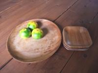 どんなものを置いても美味しそうに見える木の皿も好き。