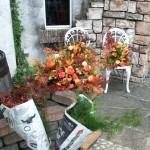 レストラン装飾の搬入待ちの花。